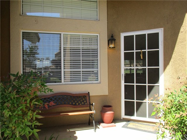 Pending   865 Hogan Avenue Banning, CA 92220 3