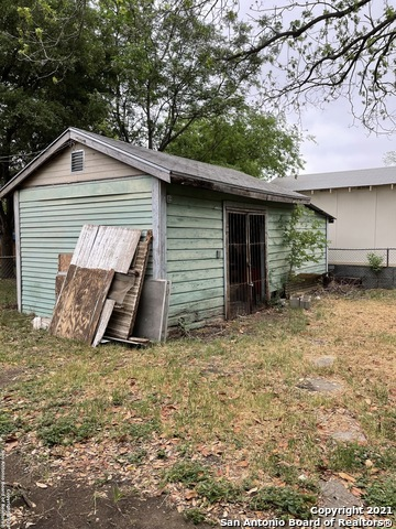 Pending   614 CUMBERLAND RD San Antonio, TX 78204 7