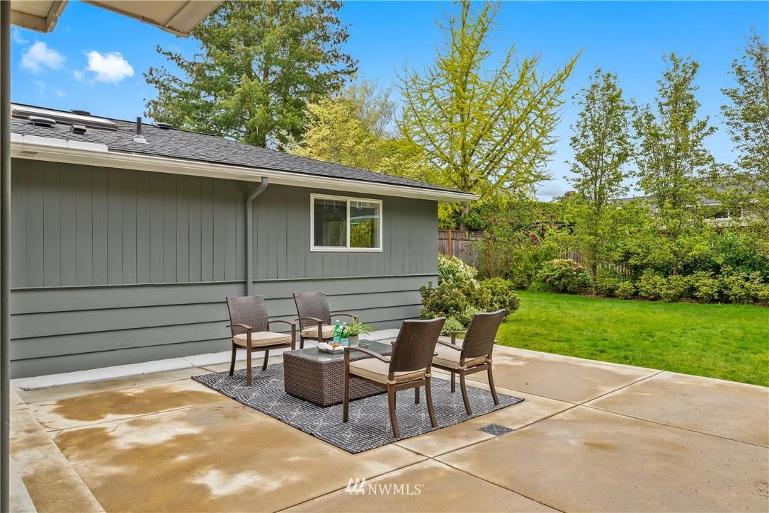 Sold Property   7722 Forest Drive NE Seattle, WA 98115 26