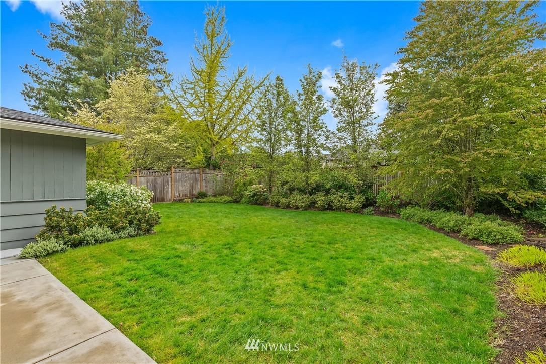 Sold Property   7722 Forest Drive NE Seattle, WA 98115 27