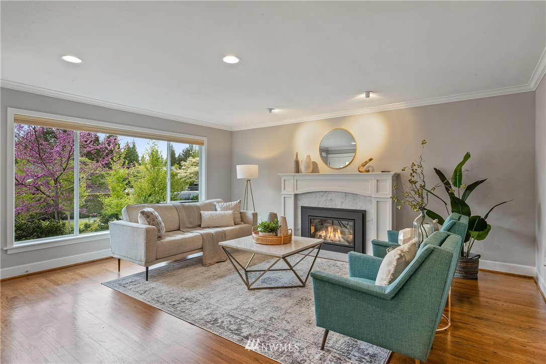 Sold Property   7722 Forest Drive NE Seattle, WA 98115 4