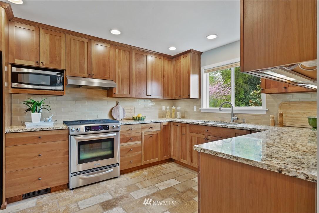 Sold Property   7722 Forest Drive NE Seattle, WA 98115 9