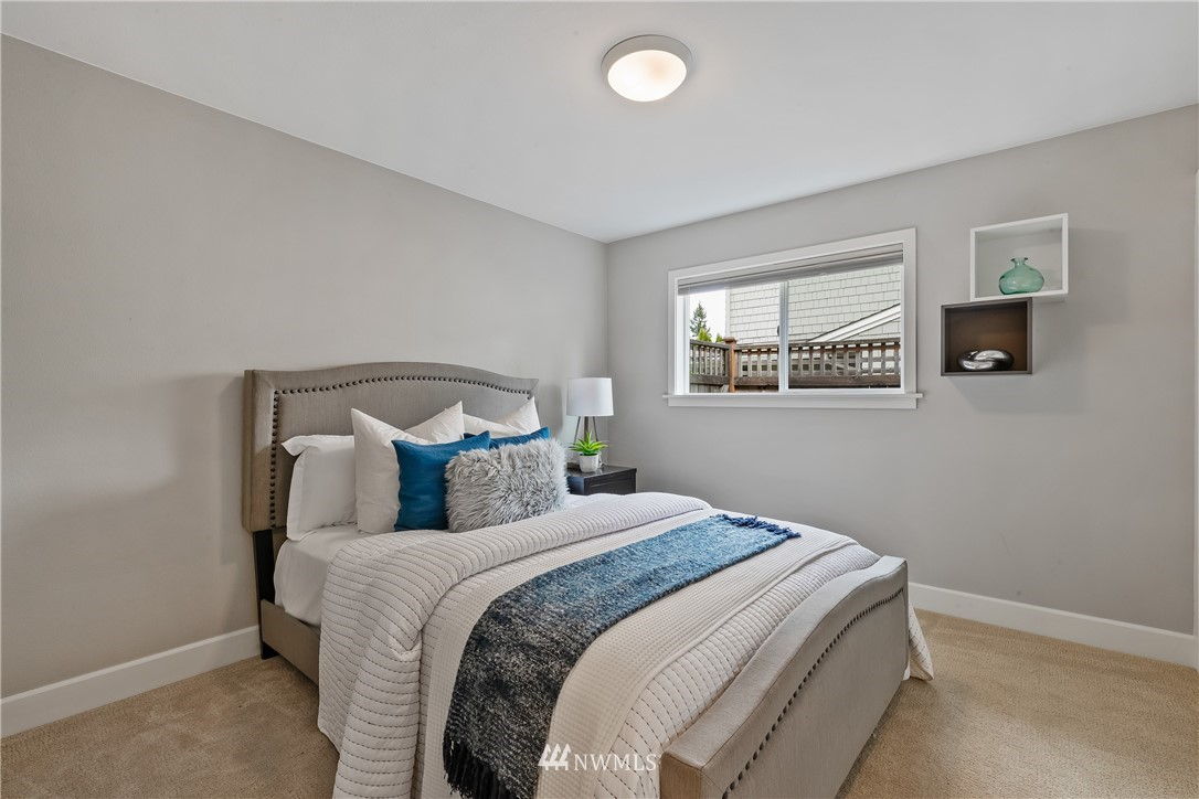 Sold Property   7722 Forest Drive NE Seattle, WA 98115 13