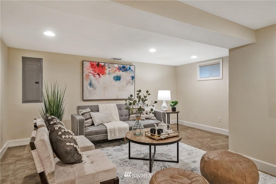Sold Property   7722 Forest Drive NE Seattle, WA 98115 24