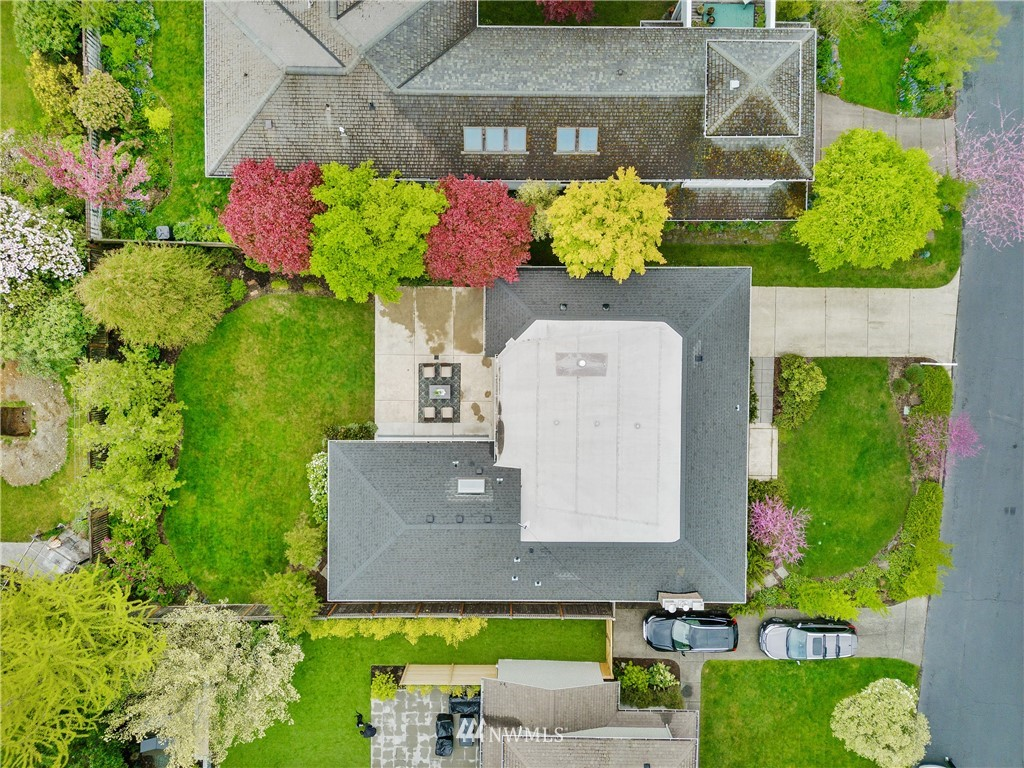 Sold Property   7722 Forest Drive NE Seattle, WA 98115 28