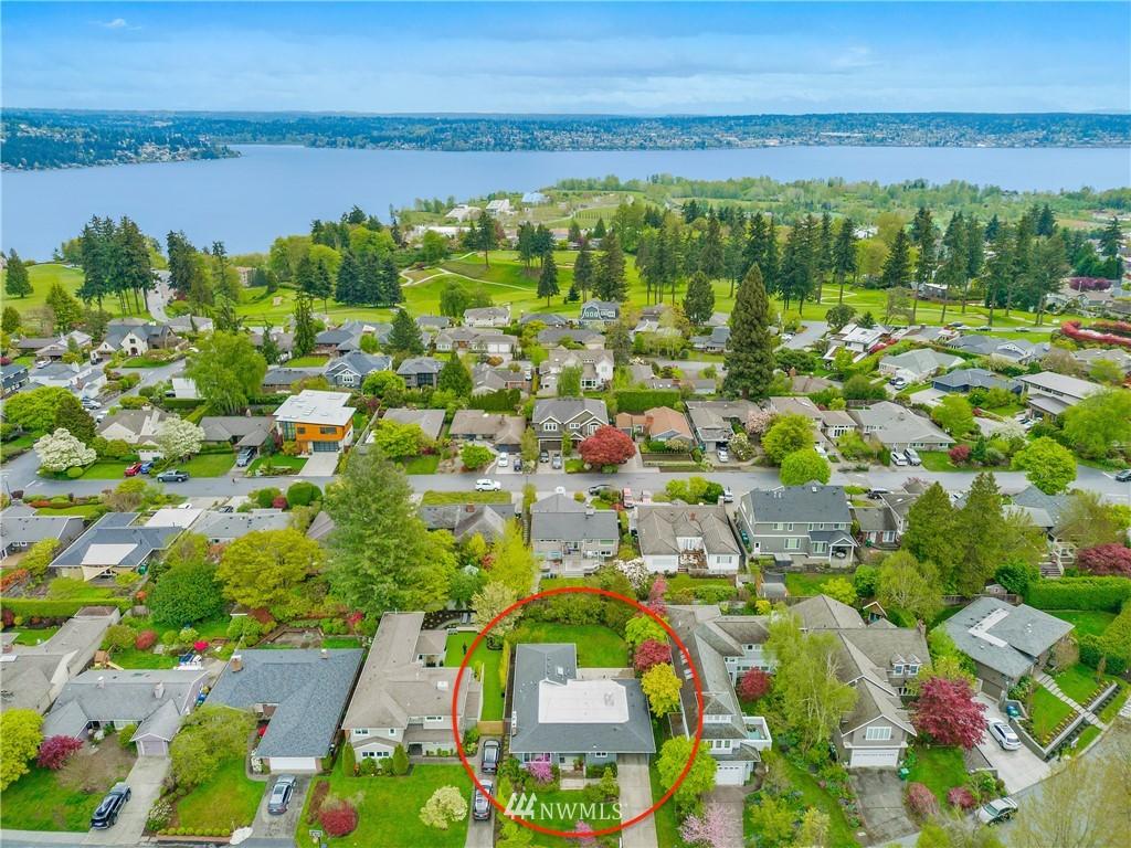 Sold Property   7722 Forest Drive NE Seattle, WA 98115 30