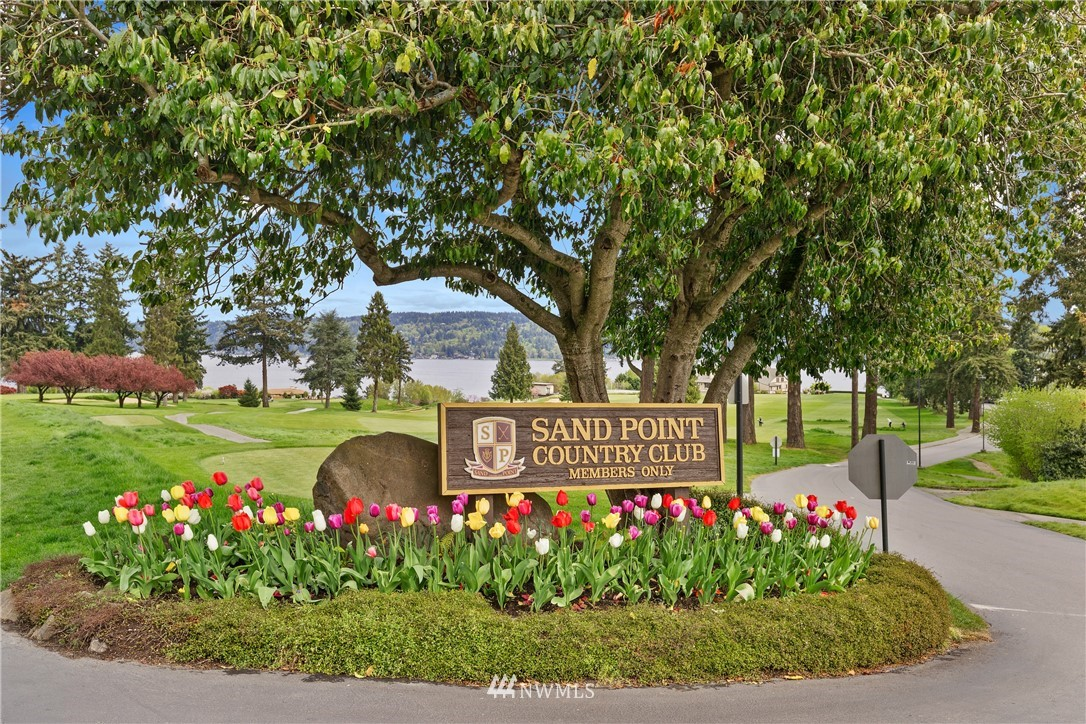 Sold Property   7722 Forest Drive NE Seattle, WA 98115 33