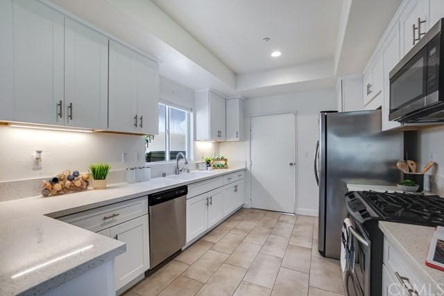 Active Under Contract | 520 S Maria Avenue Redondo Beach, CA 90277 22
