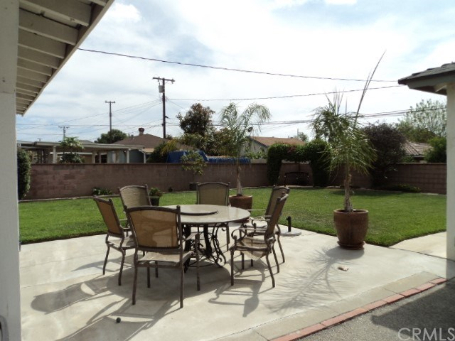 Active Under Contract | 111 S Butterfield Road West Covina, CA 91791 17