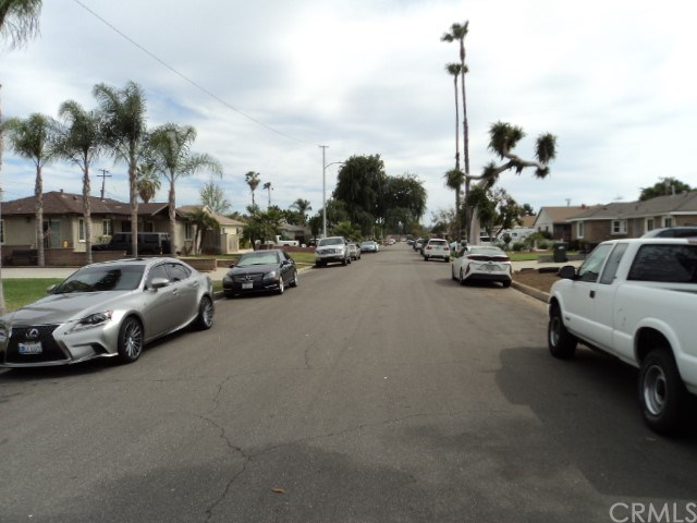 Active Under Contract | 111 S Butterfield Road West Covina, CA 91791 26