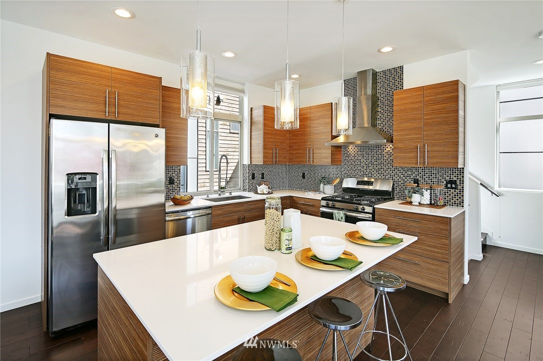 Sold Property | 2024 NW 62nd Street #A Seattle, WA 98107 9