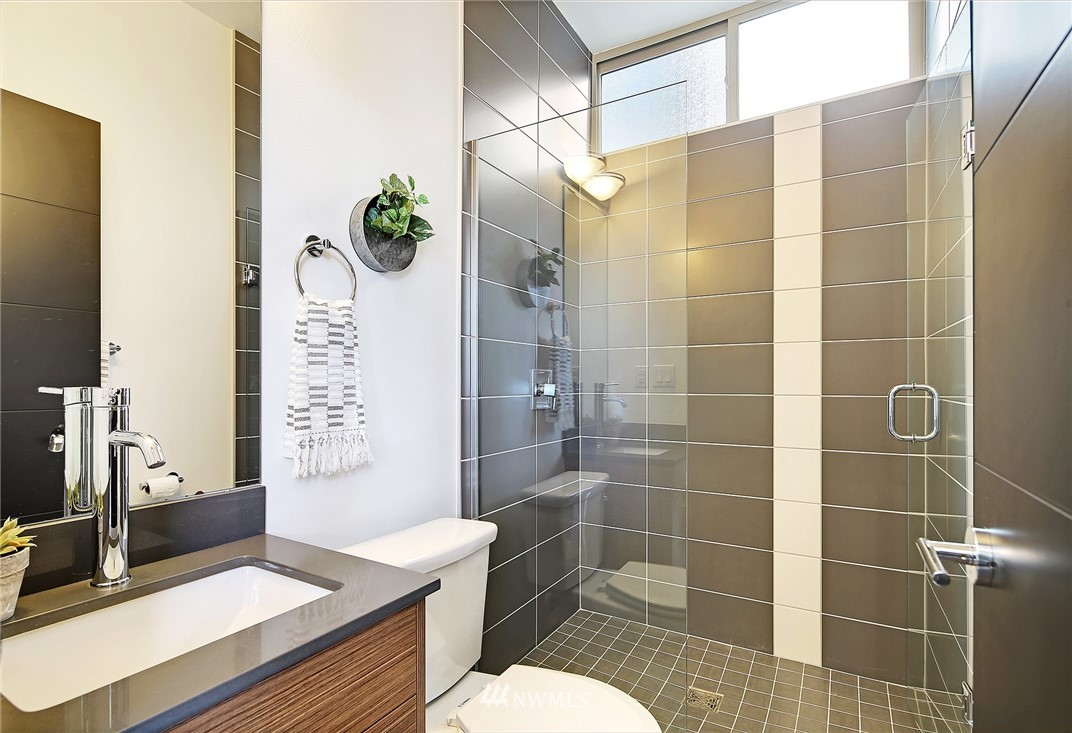 Sold Property | 2024 NW 62nd Street #A Seattle, WA 98107 23