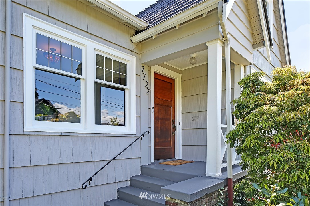 Pending | 7722 12th Avenue NW Seattle, WA 98117 1