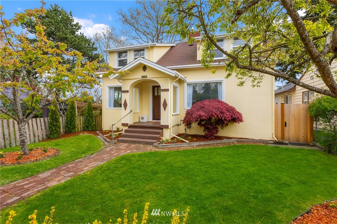 Pending | 7126 31st Avenue SW Seattle, WA 98126 0