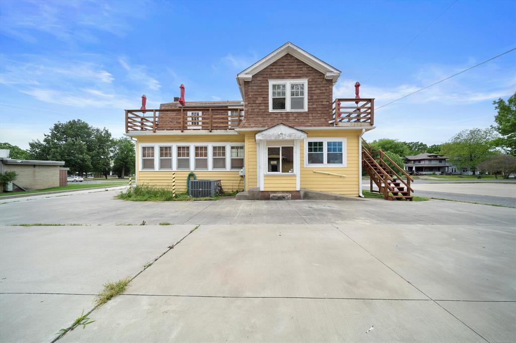 Active | 618 E Okmulgee Street Muskogee, Oklahoma 74403 16
