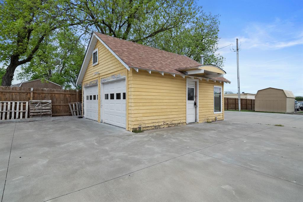 Active | 618 E Okmulgee Street Muskogee, Oklahoma 74403 18