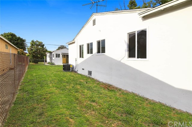 Pending | 1543 E Mardina Street West Covina, CA 91791 25