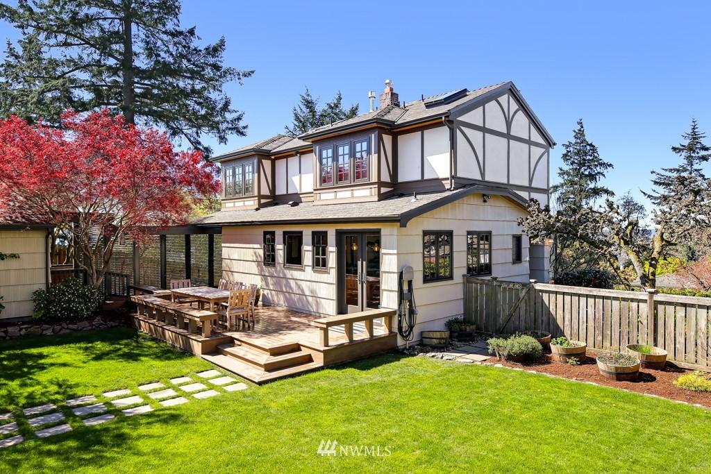 Sold Property | 4436 53rd Avenue SW Seattle, WA 98116 1