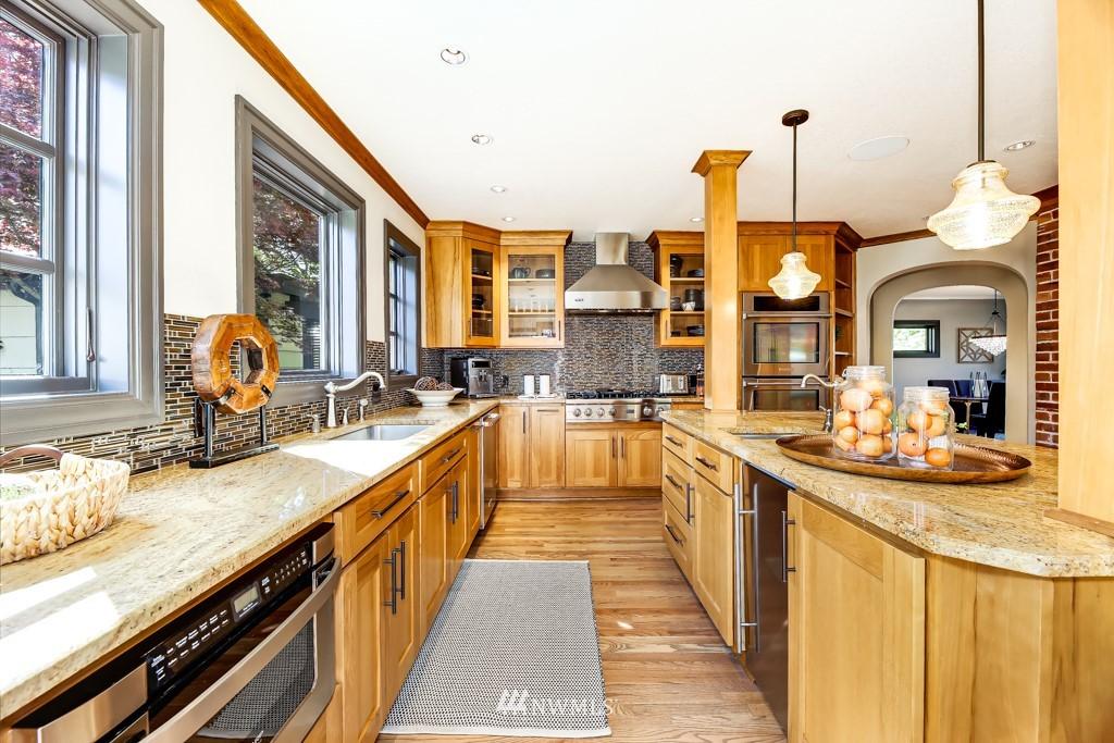 Sold Property | 4436 53rd Avenue SW Seattle, WA 98116 10