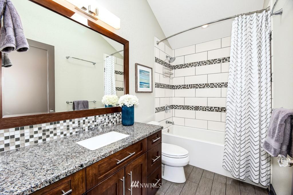 Sold Property | 4436 53rd Avenue SW Seattle, WA 98116 22