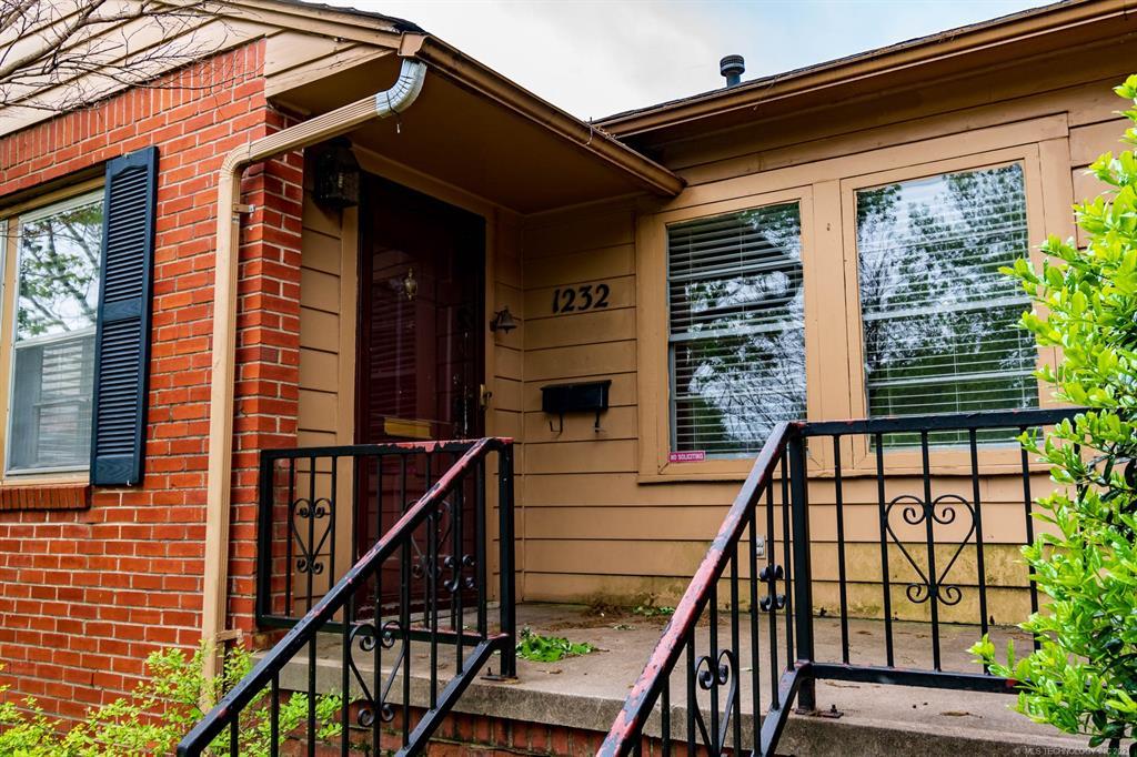 Active | 1232 E 30th Street Tulsa, Oklahoma 74114 2