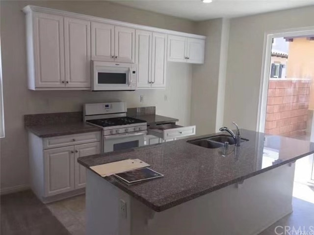 ActiveUnderContract   8601 Founders Grove Street Chino, CA 91708 2