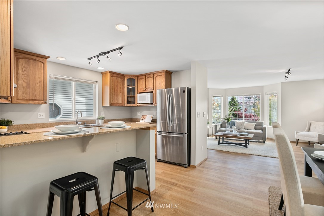 Pending | 6523 7th Avenue NW Seattle, WA 98117 5