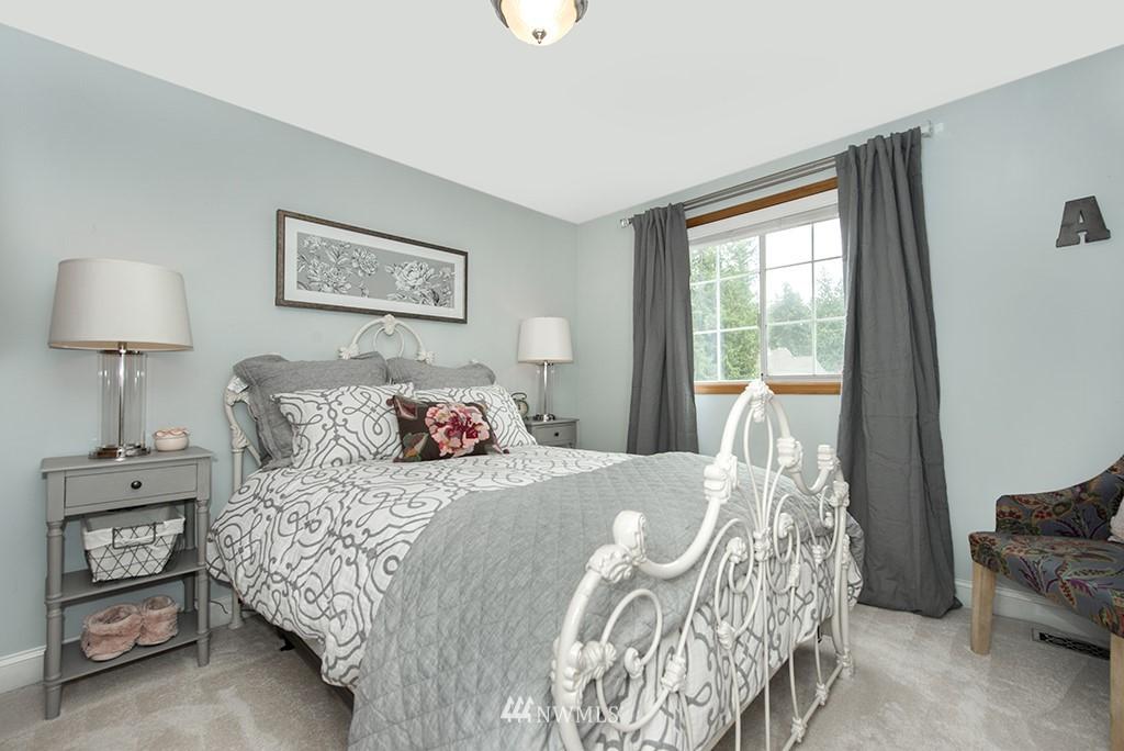 Sold Property   13707 Cascadian Way Everett, WA 98208 13