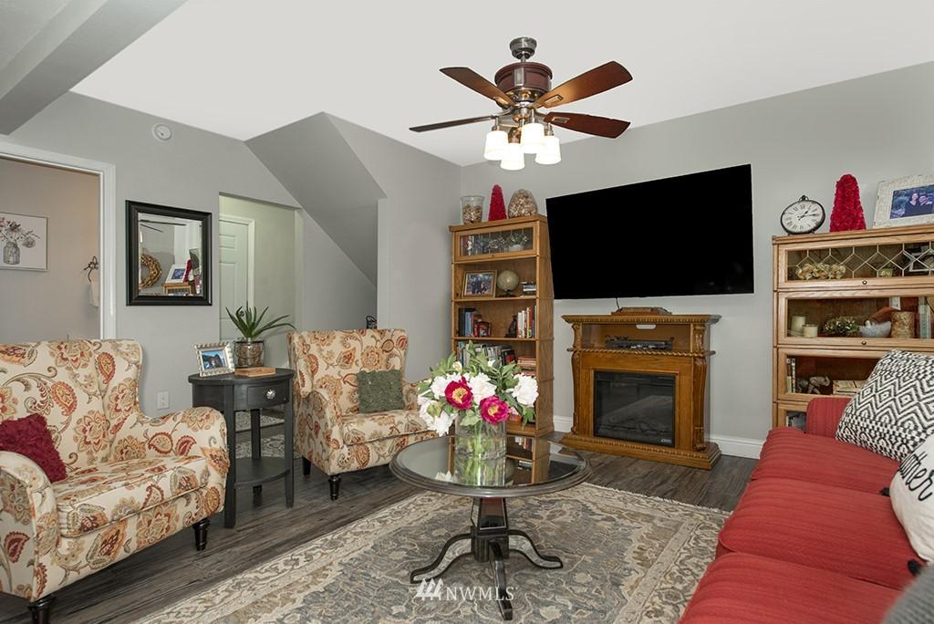 Sold Property   13707 Cascadian Way Everett, WA 98208 16