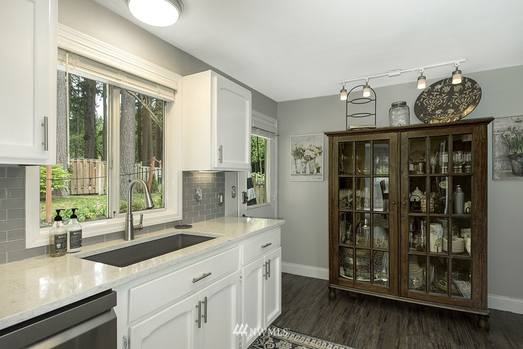 Sold Property   13707 Cascadian Way Everett, WA 98208 7