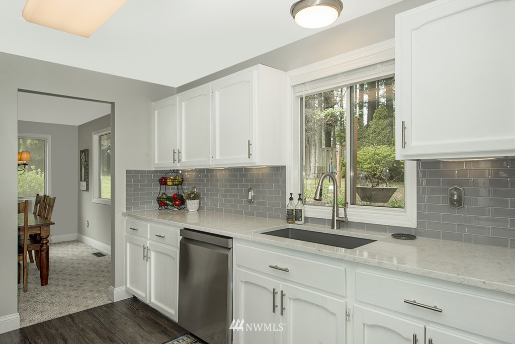 Sold Property   13707 Cascadian Way Everett, WA 98208 6