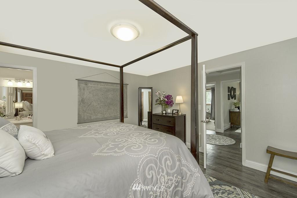 Sold Property   13707 Cascadian Way Everett, WA 98208 11