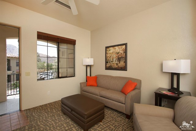 Pending   50710 Santa Rosa Plaza #7 La Quinta, CA 92253 1