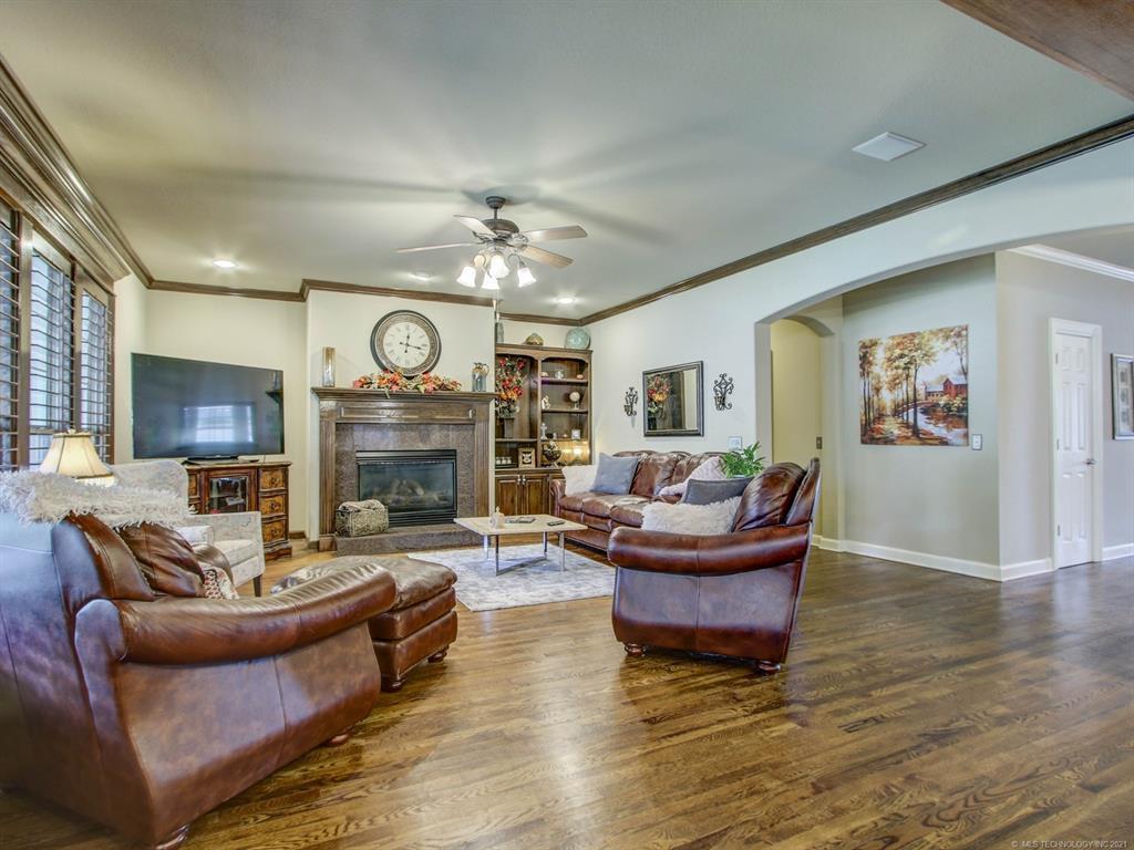 Active   8653 E 101st Place Tulsa, Oklahoma 74133 16
