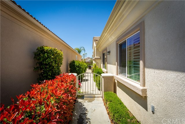 Active | 40051 Corte Calanova Murrieta, CA 92562 4