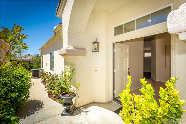 Active | 40051 Corte Calanova Murrieta, CA 92562 5