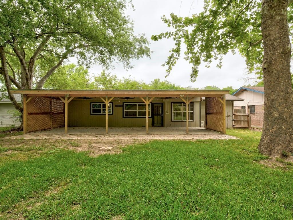 ActiveUnderContract   4606 Brassiewood Drive Austin, TX 78744 22
