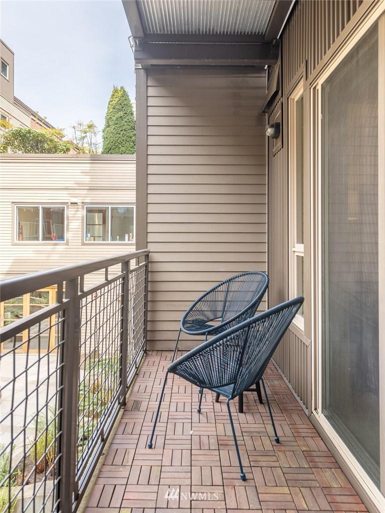 Pending | 1410 E Pine St. #W222 Seattle, WA 98122 10