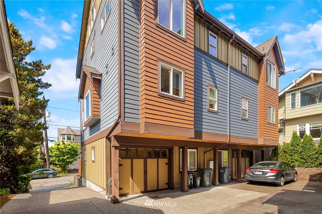 Sold Property | 4416 Phinney Avenue N #A Seattle, WA 98103 24
