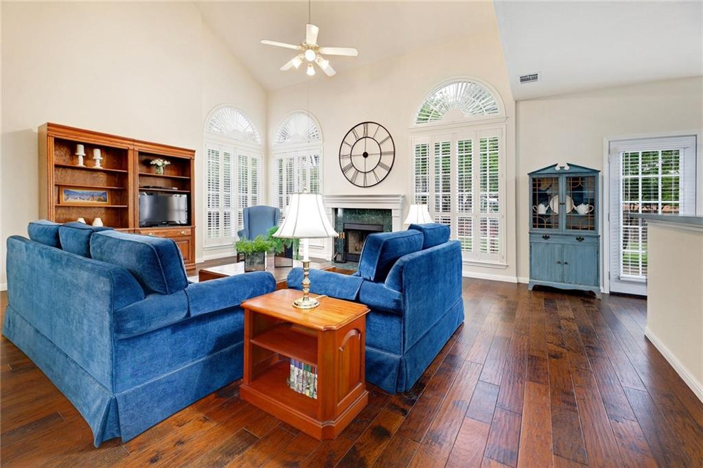 ActiveUnderContract | 13313 Chasewood Cove Austin, TX 78727 7