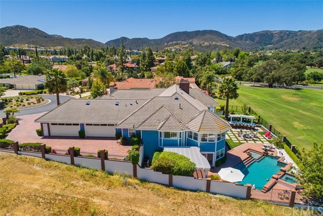 Active | 22790 Hidden Creek Court Murrieta, CA 92562 5