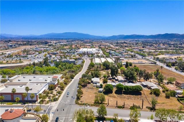 Active | 41395 Sycamore Street Murrieta, CA 92562 9