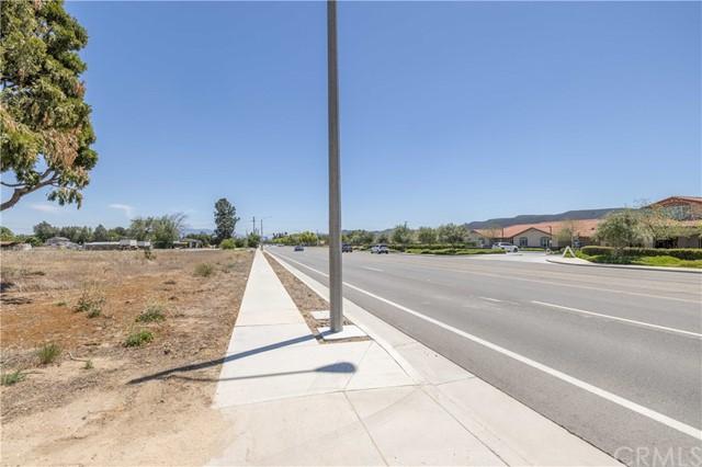 Active   24264 Washington Avenue Murrieta, CA 92562 13