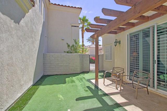 Pending   80878 Calle Azul La Quinta, CA 92253 31