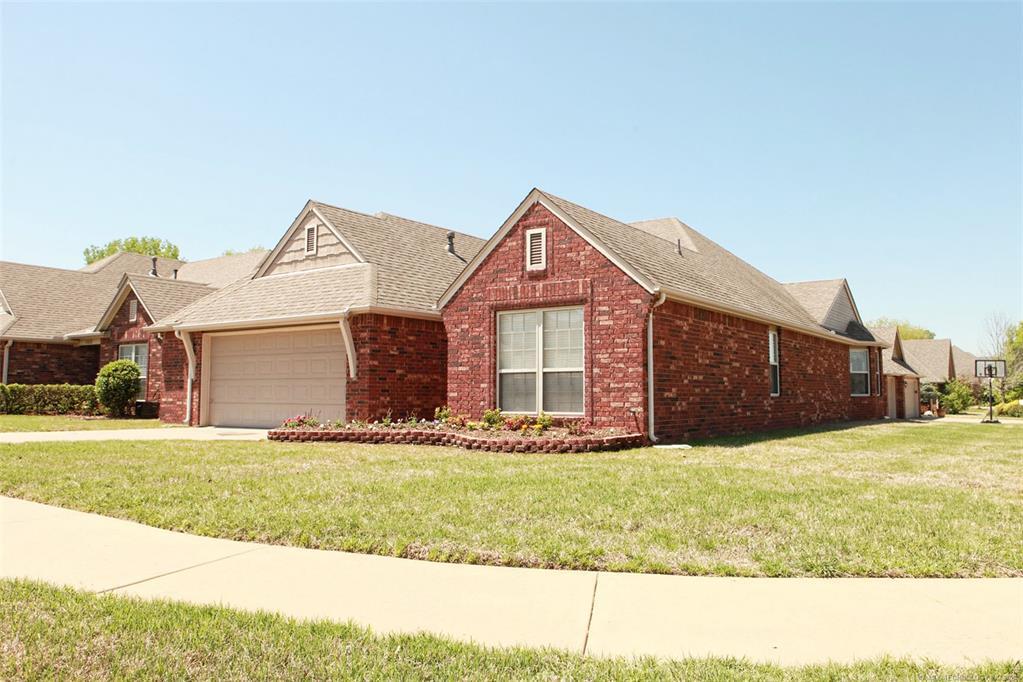 Off Market | 11114 N 132nd East Avenue Owasso, Oklahoma 74055 1