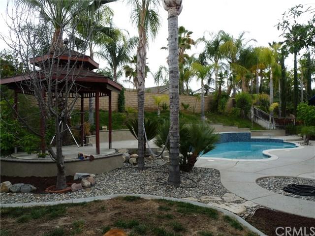 Pending | 42344 Wildwood Lane Murrieta, CA 92562 2