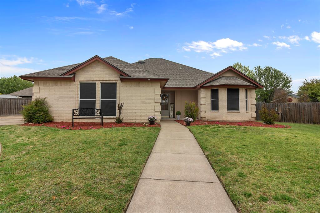Pending | 101 Saint James Court Rhome, Texas 76078 0
