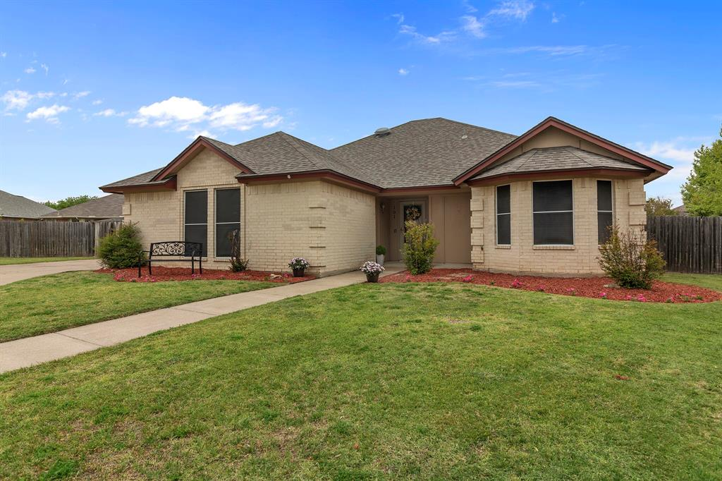 Pending | 101 Saint James Court Rhome, Texas 76078 28