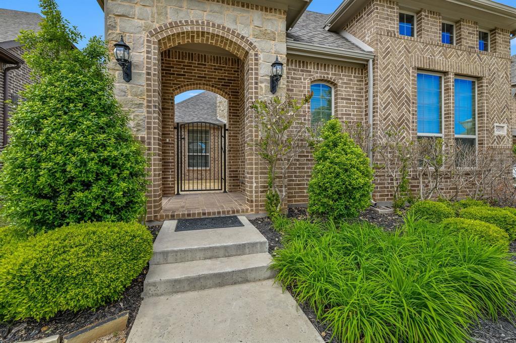 Active Option Contract   1207 Huron Drive Grapevine, Texas 76051 3