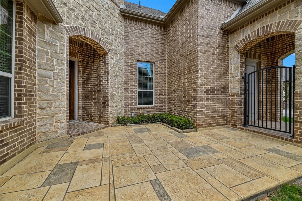 Active Option Contract   1207 Huron Drive Grapevine, Texas 76051 4